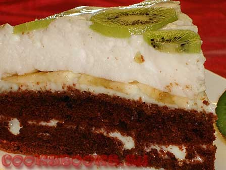 Шоколадный торт с заварным кремом под воздушным суфле